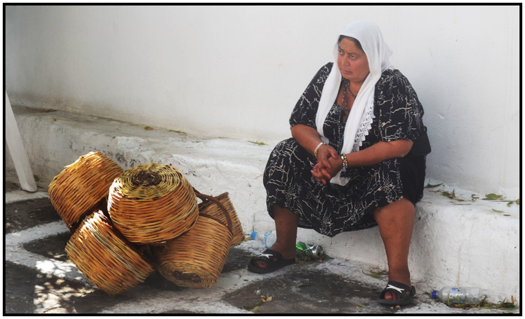 mykonos-chora mykonos-shopping-basket lady-001-2013