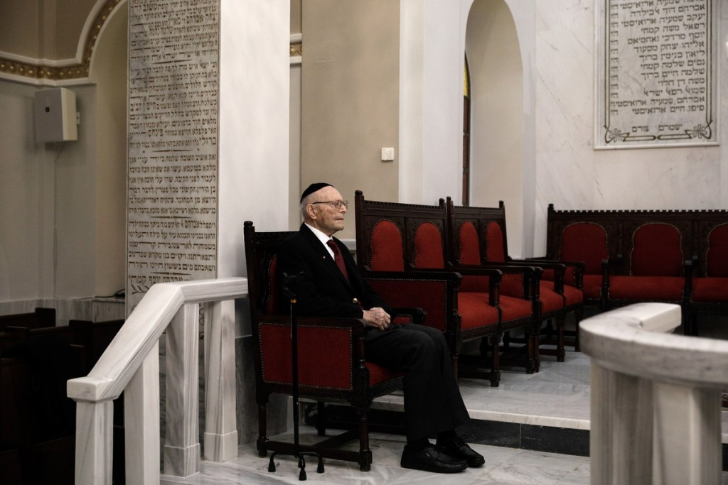 The Foreign Minister of the Federal Republic of Germany, Mr. Frank-Walter Steinmeier, visits the Synagogue of the Monasteriotes in Thessaloniki, December 4, 2016. / Επίσκεψη του Υπουργού Εξωτερικών της Ομοσπονδιακής Δημοκρατίας της Γερμανίας, κ. Frank-Walter Steinmeier, στην Εβραϊκή Συναγωγή των Μοναστηριωτών στην Θεσσαλονίκη, 4 Δεκεμβρίου 2016.