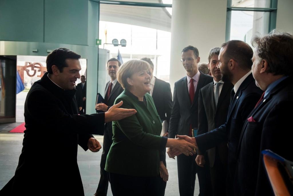 German Chancellor Angela Merkel meets the Greek Prime Minister Alexis Tsipras at the chancellery in Berlin, Germany on Dec. 16, 2016 / Συνάντηση του Έλληνα πρωθυπουργού Αλέξη Τσίπρα με την καγκελάριο της Γερμανίας Άνγκελα Μέρκελ στη καγκελαρία στο Βερολίνο, στις 16 Δεκεμβρίου, 2016
