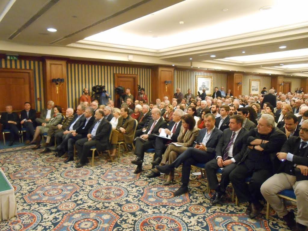 ΚΟΝΤΑ ΣΤΟ 10% ΩΡΑ και ΠΛΕΥΣΗ καταβροχθίζουν ΠΑΣΟΚ και Σύριζα!